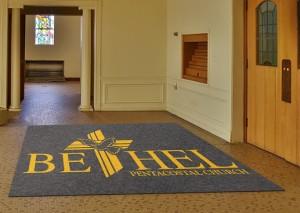 Thảm để cửa nhà thờ